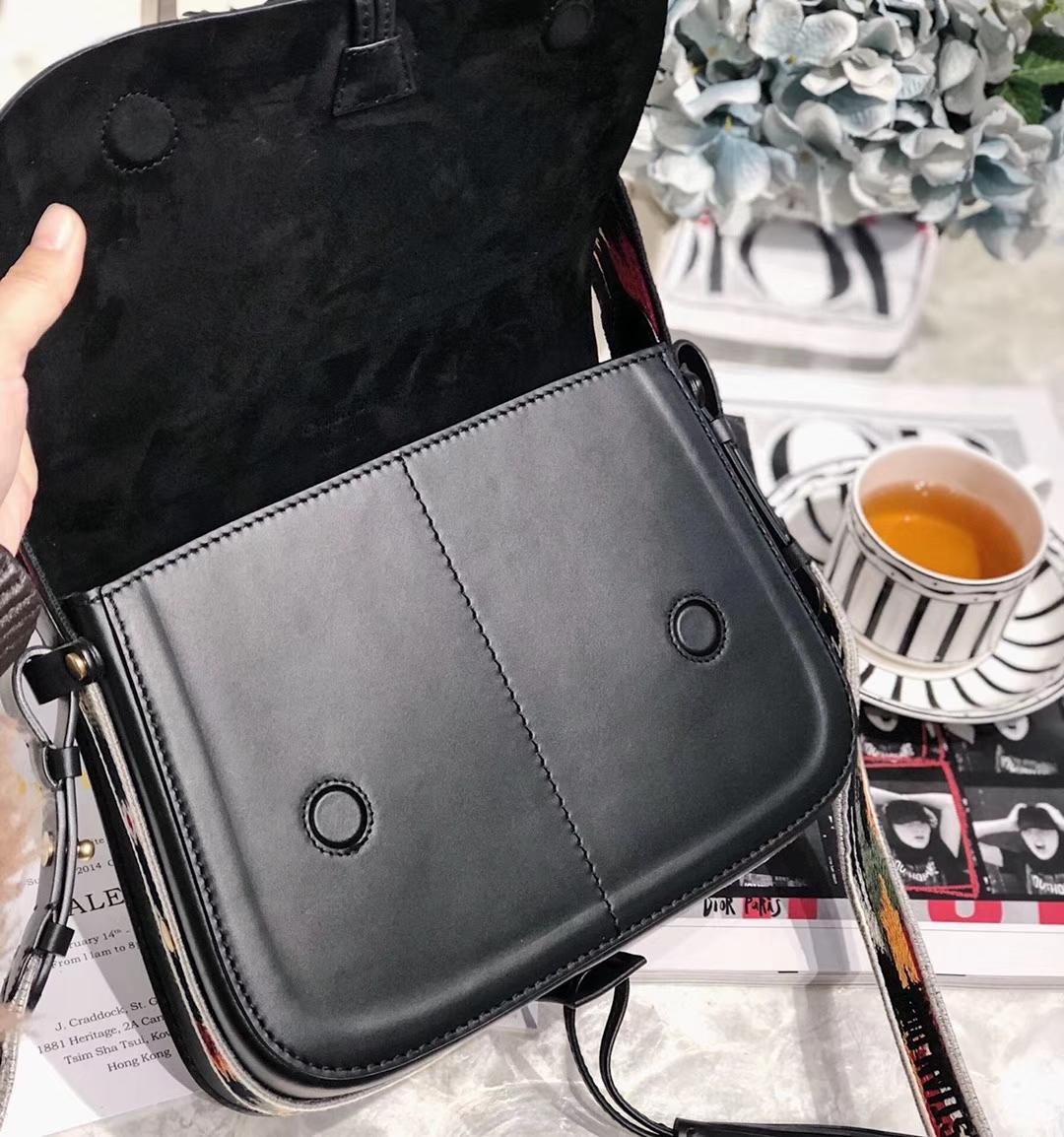 迪奥包包价格 Dior2019早春新款度假系列 黑色牛皮波西米亚马鞍包单肩女包