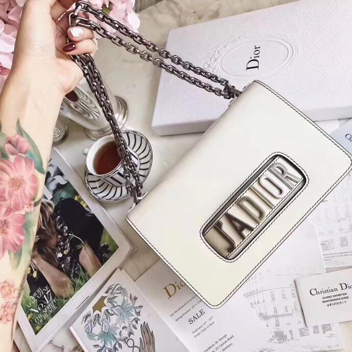 广州白云皮具城 Dior迪奥白色牛皮方形复古链条包Jadior手包单肩包24CM