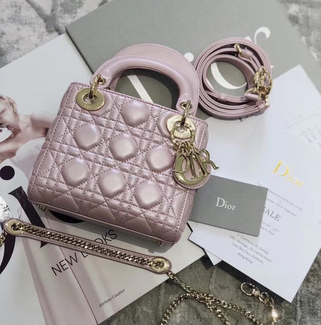 迪奥包包价格 Mini Lady Dior 珠光桃花粉三格羊皮迷你戴妃包 金扣/银扣