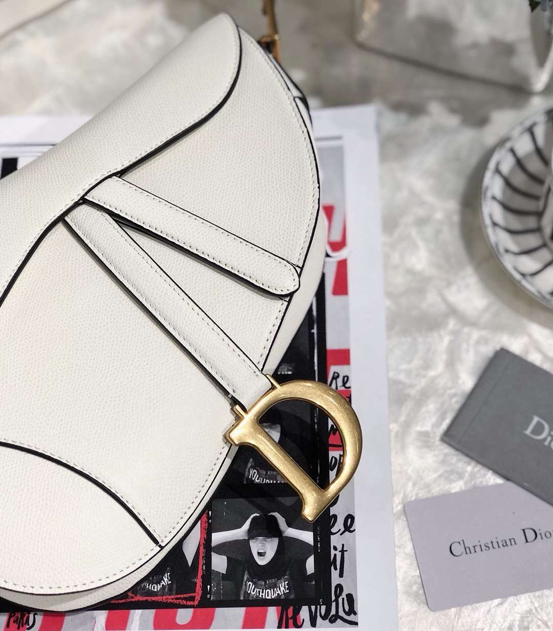 Dior包包价格 迪奥新款掌纹牛皮Saddle马鞍包单肩包大号26CM 白色