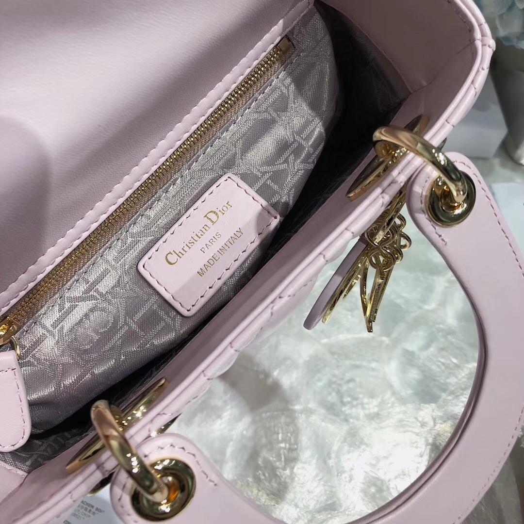 Dior包包批发 迪奥进口顶级羊皮四格迷你戴妃包Lady Dior Mini20CM 粉色